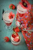 Healthy strawberry dessert with creamy yoghurt layered — Stock Photo