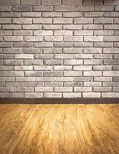 пустой интерьер перспективу с гранж кирпичной стены и древесины парке — Стоковое фото