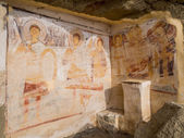KAKHETIA, GEORGIA - NOVEMBER 07: Murals on the walls of the caves in David Gareja in Kakhetia, Georgia on November 07, 2013 — Stock Photo