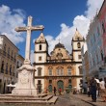 ALVADOR, BRAZIL - AUGUST 01: Sao Francisco church in the historical center of Salvador on August 01, 2012. Soa Francisco church is one of the most recognizable buildings of Bahia Region — Stock Photo #44350161