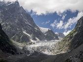 Chalaadi glacier close in Svaneti region, Georgia, Caucasus — Stockfoto