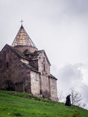 GOSH, ARMENIA - APRIL 13: Goshavank Monastery on April 13, 2013. Goshavank complex was built in 12-13th century, has remained in good condition which makes it a popular tourist destination — 图库照片