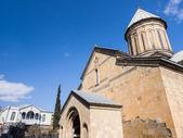 Tbilisi, georgia - 03 de marzo de 2014: la catedral sioni en tbilisi, georgia. la catedral era la principal catedral ortodoxa georgiana y el asiento del h catholicos-quinientista de toda georgia hasta 2004 — Foto de Stock