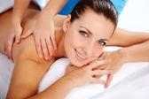 Donna nel salone spa — Foto Stock