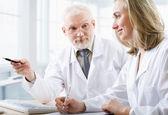 двух врачей — Стоковое фото