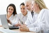 Geneeskunde team — Stockfoto