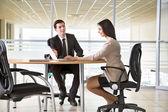 会議で働くビジネスマン — ストック写真