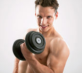 Fit muscular man — Stock Photo