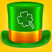 Green St. Patrick's Day hat with clover — Stock Vector