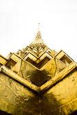 золотая пагода ват пхра кео — Стоковое фото