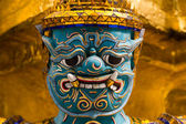Close up face of Yak statue at the phra keaw — Stock Photo