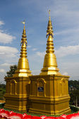 Golden pagoda at Wat Hyua pla kang pagoda — Stock Photo