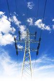 Masten für Hochspannungsleitungen — Stockfoto