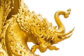 Tradizionale cinese leoni d'oro su sfondo isolata — Foto Stock
