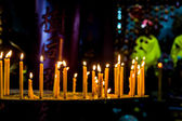 Row of candle at the buddhism temple — Stockfoto