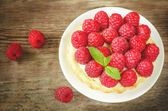 Tartlet with raspberries — Stock Photo