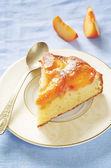 Cake with peaches — Stock Photo