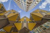 желтый кубические дома в роттердаме — Стоковое фото