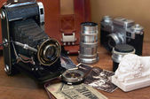 Vintage camera and retro items — Stock Photo