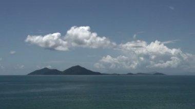 Clouds time lapse above Dunk Island — Stock Video
