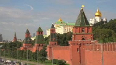 Kremlin Moscow and Catherdral of christ the saviour — Vídeo Stock