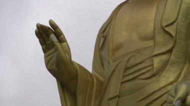 ウランバートル、モンゴルの黄金の仏像 — ストックビデオ