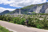 Man on mountain bike in the Alps — Stock Photo