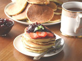 Morning pancakes — Stock Photo
