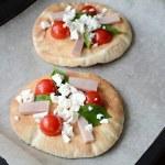 Strawberry pizza — Stock Photo #48750251