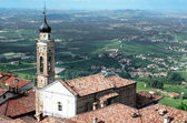 View from a tower of italian city in Langhe, Unesco heritage — Stock Photo