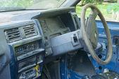 放棄されたピックアップ トラック — ストック写真