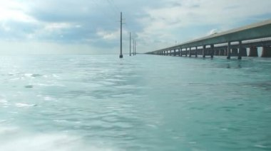 Seven mile bridge in Florida Keys. — Stock Video