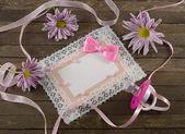 Pink greeting card with flowers — Zdjęcie stockowe