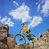 Person riding mountain bike — Stock fotografie