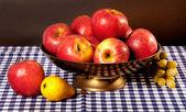 Natura morta con mele — Foto Stock