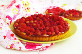 Tart with wild strawberries     — Stock Photo