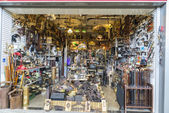 Flea market, Els Encants Vells, Barcelona. — Stock Photo