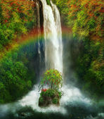 Fantastic waterfall and rainbow — Foto de Stock