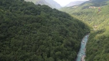 Bungee at Dzhurzhevich bridge in Montenegro — Stockvideo