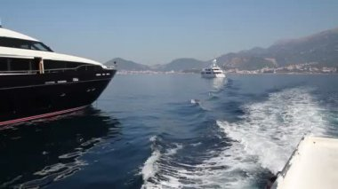 Black yacht in Adriatic Sea — Stock Video