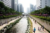 Cheonggyecheon in Seoul — Stock Photo