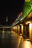 Beautiful night view of the bridge above Han River — Stock Photo