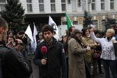 Dozhd Channel correspondent Timur Olevskii works on political action — Stock Photo