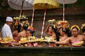 Balinese maidens — 图库照片