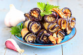 Eggplant rolls with walnut and garlic — Stockfoto