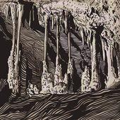 Vector illustration karst cave, stalactite, stalagmite, column — Stock Vector