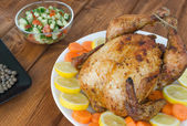 Grilled chicken with salad — Stockfoto