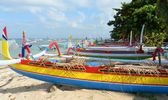 Traditional fishing boats on Sanur Beach — Stock Photo