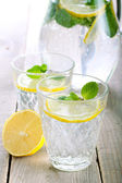 Lemon and mint fizz  — Stock Photo