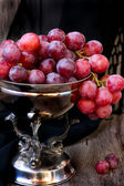 Grapes in the vase — Stock Photo